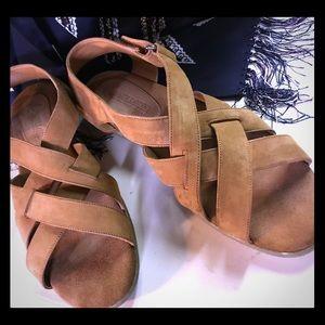 Marsh Landing 7.5 Brown leather sandal